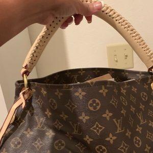 Louis Vuitton not Authentic